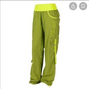 Zumba electro cargo pants size small (2-4) green